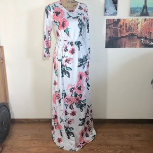Floral maxi dress with pockets!!!  Sz. S